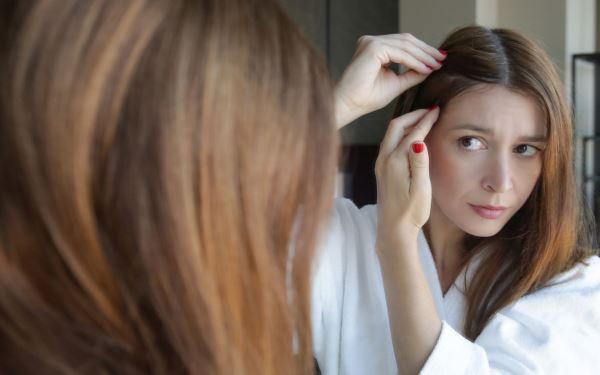 Zniszczone włosy - jak o nie dbać? Sposoby na zniszczone włosy