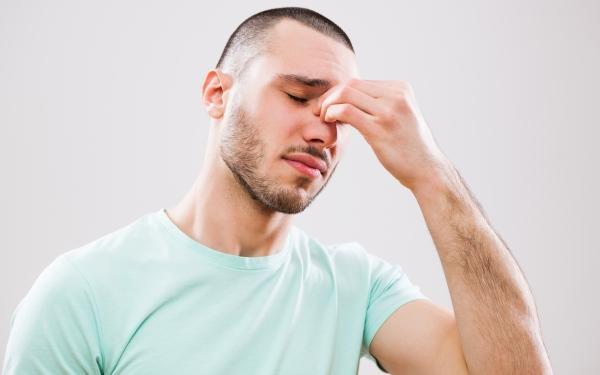 Zapalenie zatok przynosowych: przyczyny, objawy i leczenie
